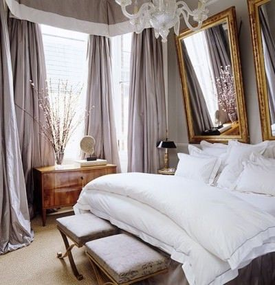 dramamtic curtains in small space - via domainehome