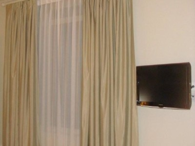 Motorized Curtains And Drapes